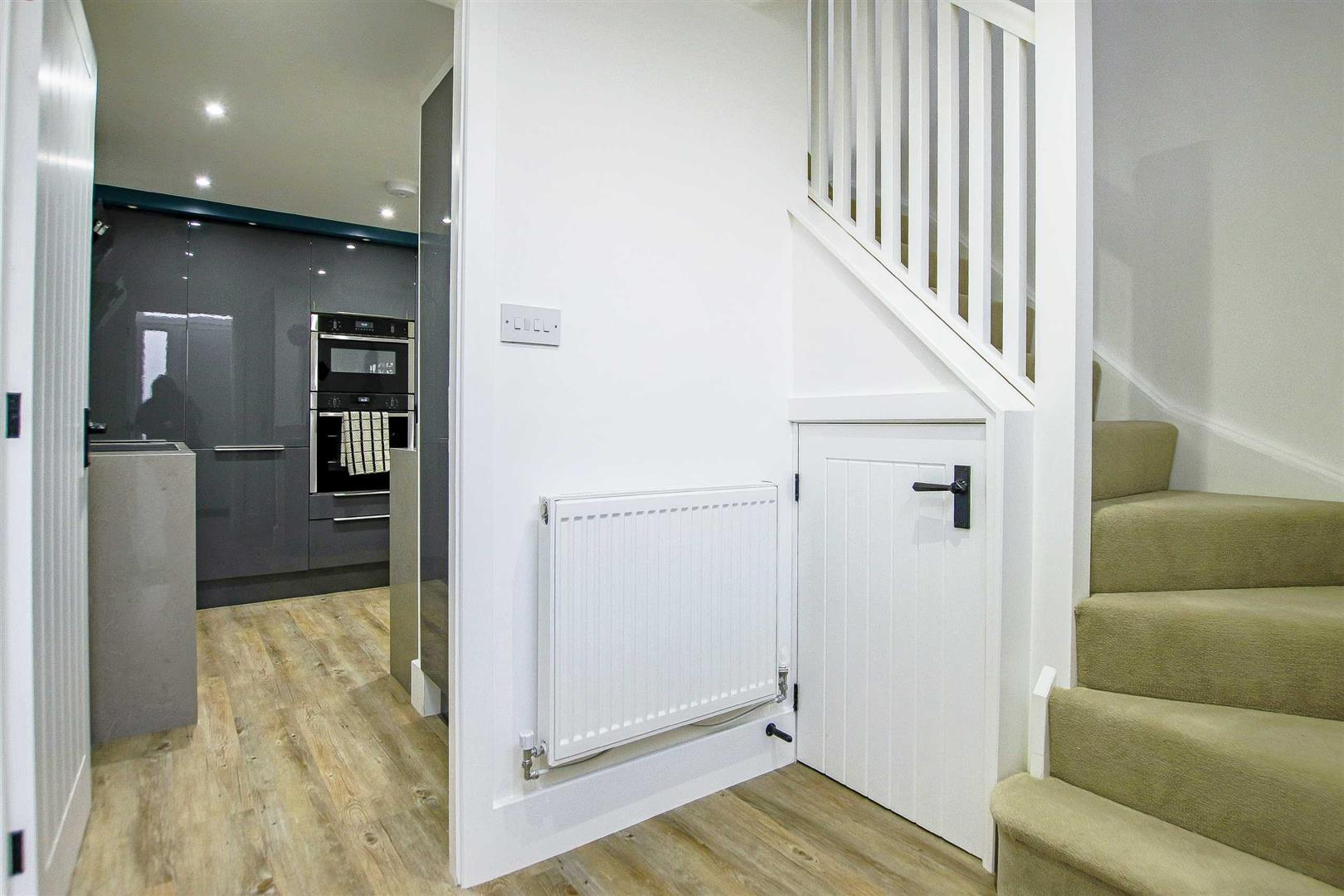 7 Bedroom Detached House For Sale - Image 34